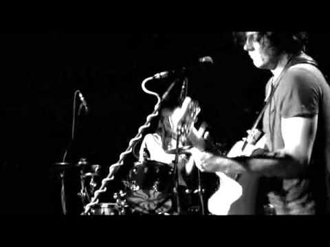 The White Stripes - Under Nova Scotian Lights - 13 300 M.P.H Torrential Outpour Blues