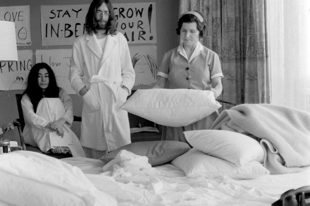 John, Yoko und das System
